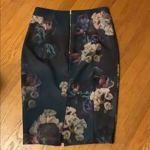 H&M Skirts - H&M Womens floral pencil skirt -size 40/10-New!
